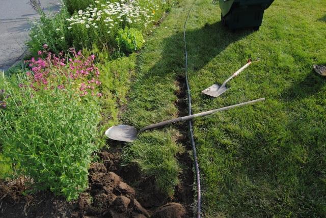 digging garden beds