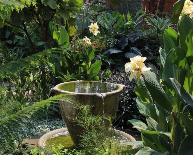 teacup garden chanticleer