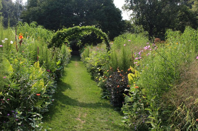 chanticleer cutting garden