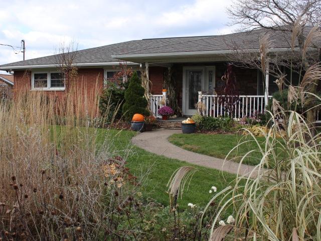ranch house landscape