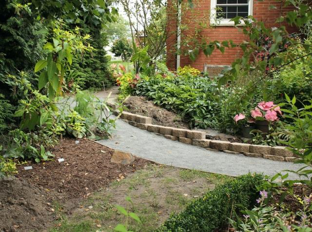sand garden path